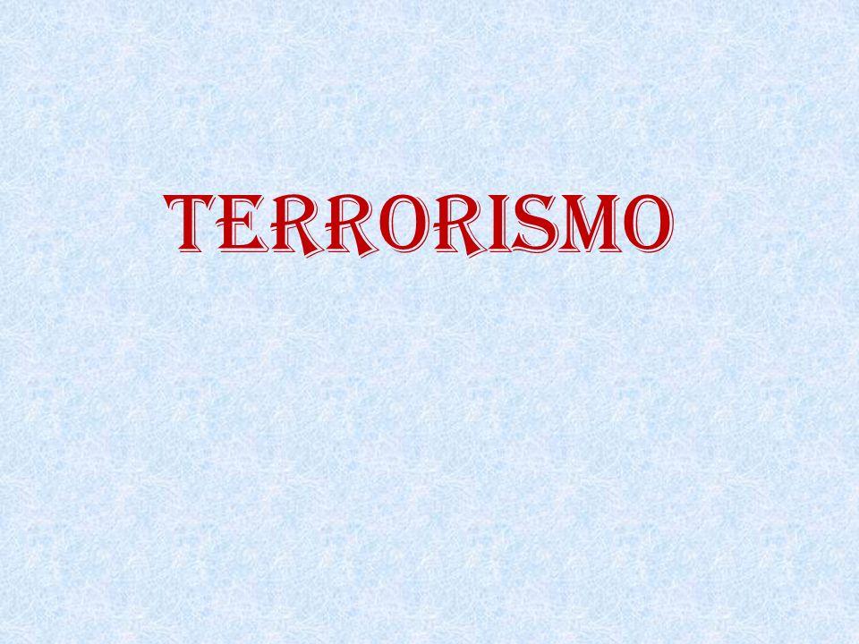 Sobe para 12 número de mortos em explosão no metrô de Minsk Polícia da Bielo-Rússia encara incidente como ataque terrorista e diz ter prendido várias pessoas e identificado suspeitos Mulher coloca flores em frente à estação atingida por explosão em Minsk