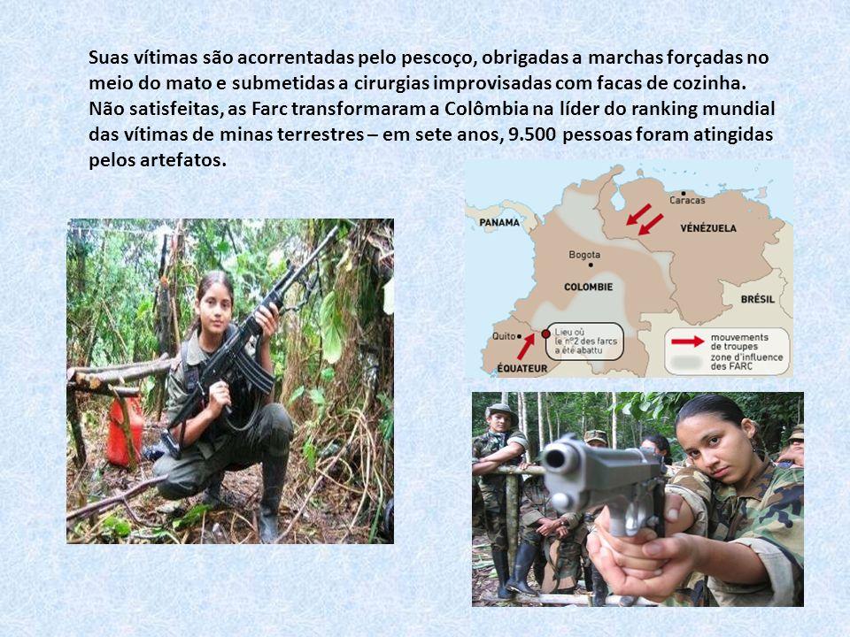 PATRULHA Soldados sobem o Rio Uaupés, no Amazonas, na fronteira com a Colômbia.
