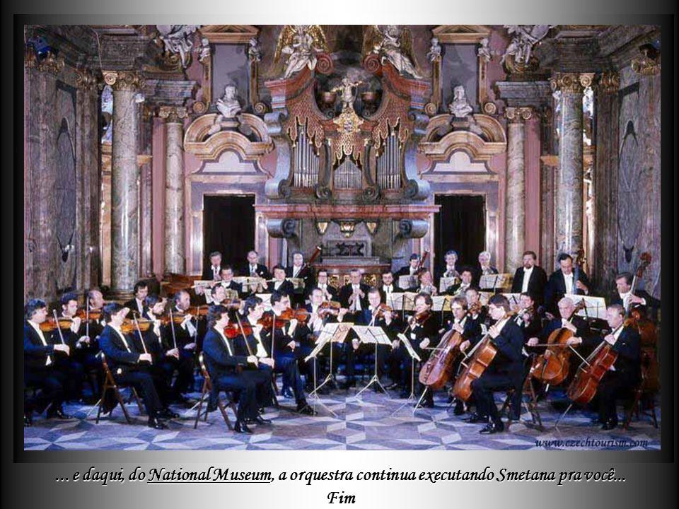 Mas é a Música que tem lugar dos mais importantes na cidade, onde cada igreja, cada palácio propõe todas as noites melodias dos grandes compositores,