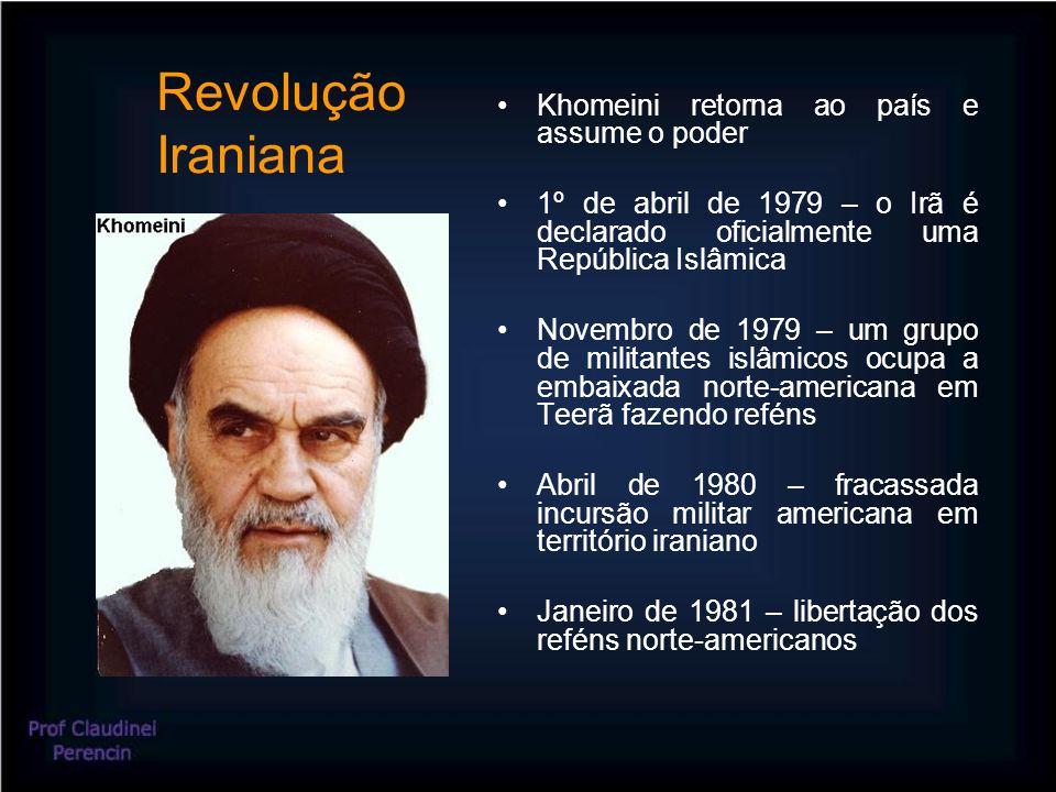 Revolução Iraniana Khomeini retorna ao país e assume o poder 1º de abril de 1979 – o Irã é declarado oficialmente uma República Islâmica Novembro de 1979 – um grupo de militantes islâmicos ocupa a embaixada norte-americana em Teerã fazendo reféns Abril de 1980 – fracassada incursão militar americana em território iraniano Janeiro de 1981 – libertação dos reféns norte-americanos