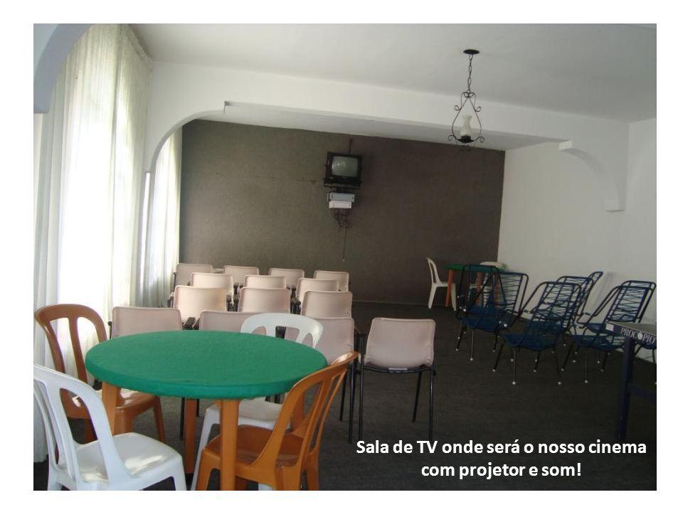 Sala de TV onde será o nosso cinema com projetor e som!