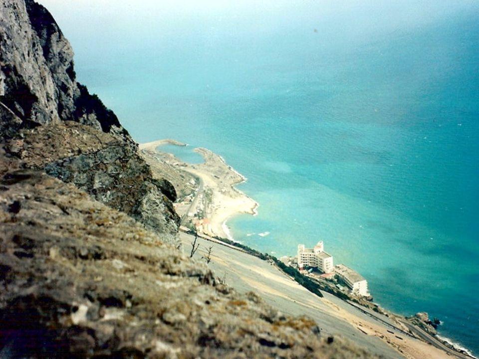 Vista do alto do ROCHEDO DE GIBRALTAR