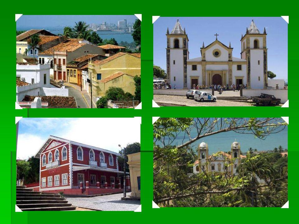 1982 Centro Histórico da Cidade de Olinda – Fundado no século XVI pelos portugueses, sua história é ligada à indústria de cana de açúcar. Reconstruída