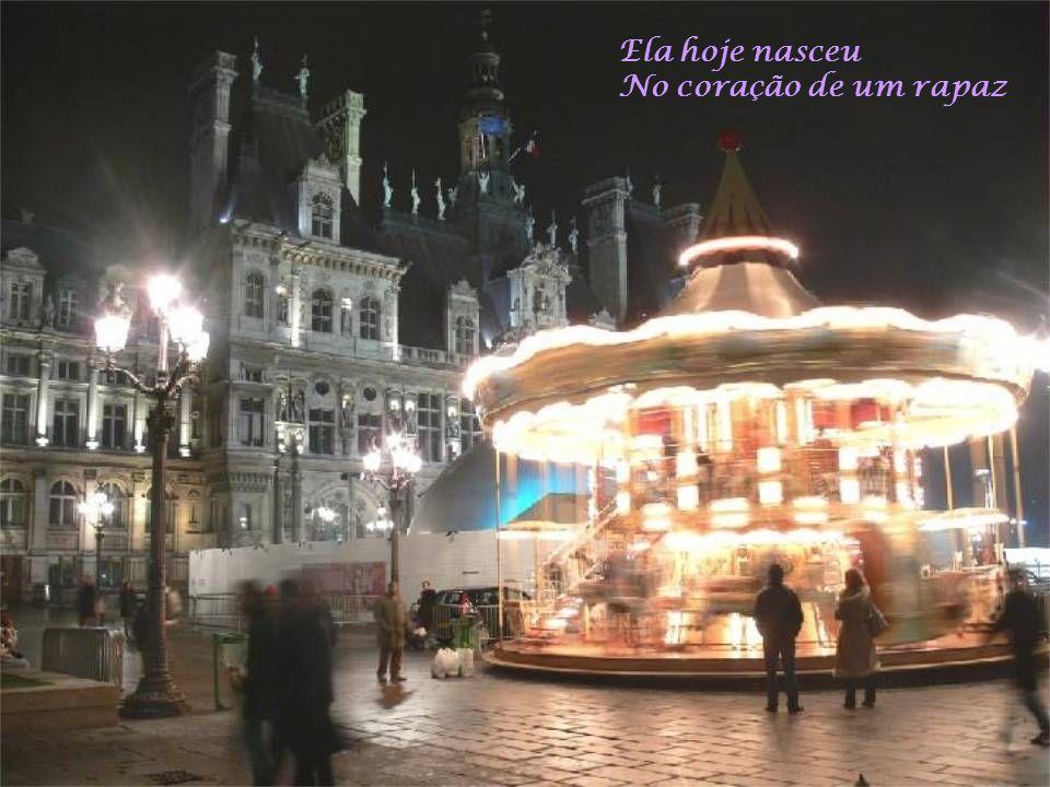 Sob o céu de Paris Ecoa uma canção Hum
