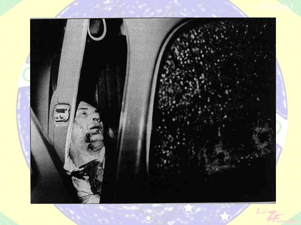 Após a tortura de dois frades dominicanos que mantinham ligação com o terrorista os homens do delegado Sérgio Paranhos Fleury encurralaram Marighella num bairro chique de São Paulo (4 de outubro de 1969) e crivaram seu corpo de balas.
