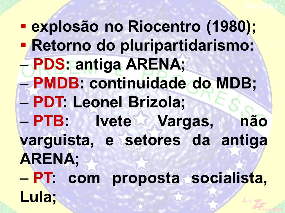 O ditador João Batista Figueiredo caminhando entre populares durante o episódio da Novembrada, em Florianópolis. Só para matar a curiosidade: o cara c