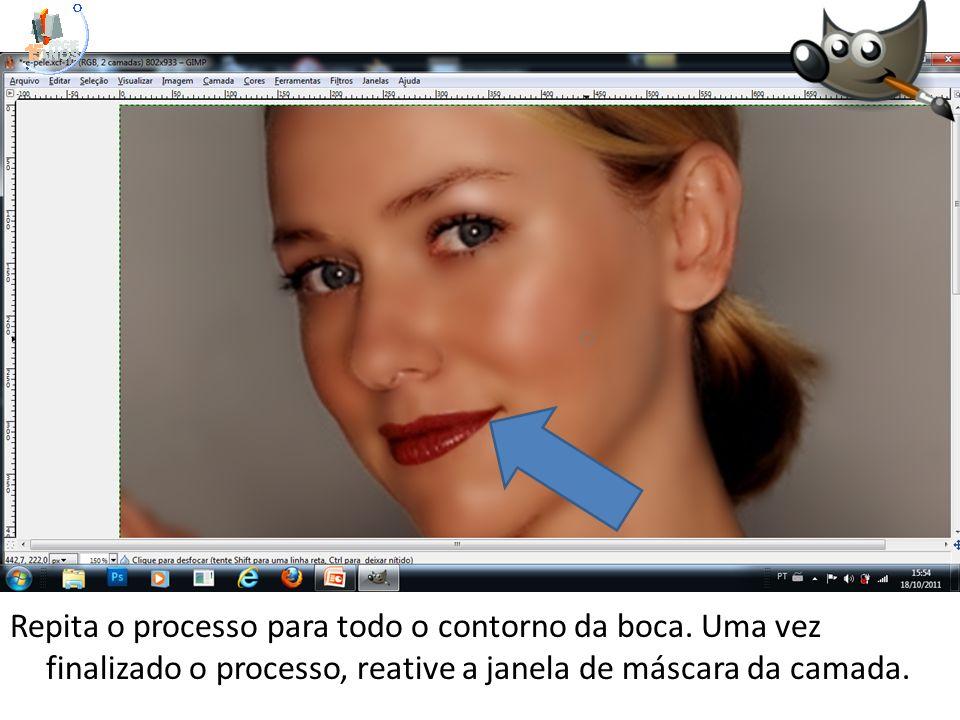 Repita o processo para todo o contorno da boca. Uma vez finalizado o processo, reative a janela de máscara da camada.