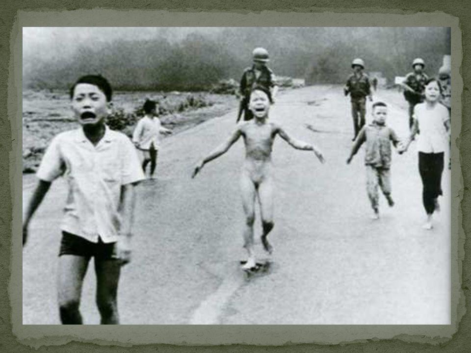 Iugoslávia Iugoslávia: Marcada pela violência na desestruturação do Marcada pela violência na desestruturação do regime socialista.