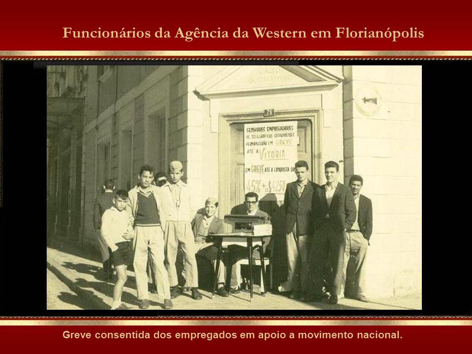 DA DIREITA PARA À ESQUERDA PODEMOS IDENTIFICAR GENÉSIO PEREIRA (IM), VALDO W. PACHECO, MENSAGEIROS, AMAURI MARTINS (IM), WALTER PACHECO E HAMILTON LOB