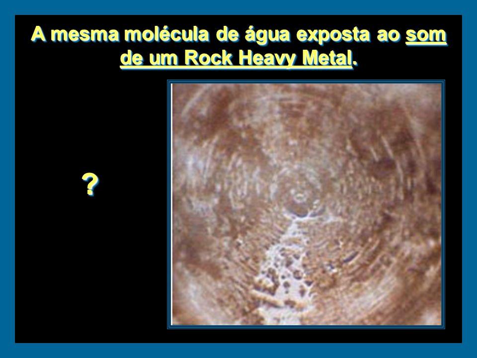Molécula de água exposta à energia do som da Ária para corda em Sol de Bach. Molécula de água exposta à energia do som da Ária para corda em Sol de Ba