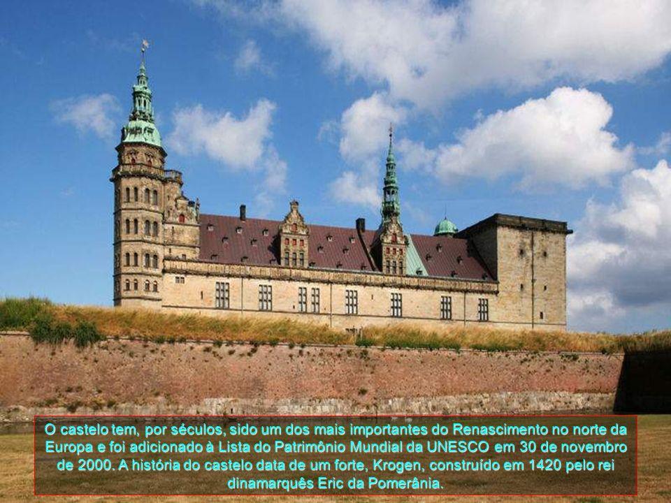 HELSINGOR O Castelo de Kronborg está situado perto da cidade de Helsingor na ponta extrema da Zelândia, no ponto mais estreito de Oresund, o estreito