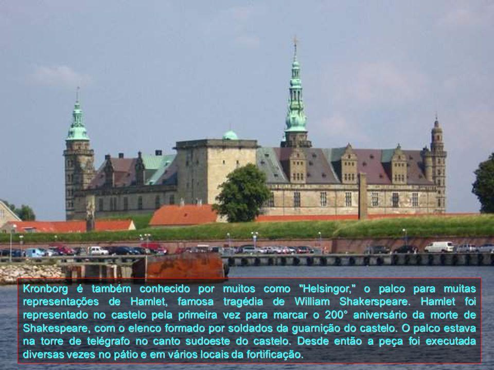 O castelo tem, por séculos, sido um dos mais importantes do Renascimento no norte da Europa e foi adicionado à Lista do Patrimônio Mundial da UNESCO e