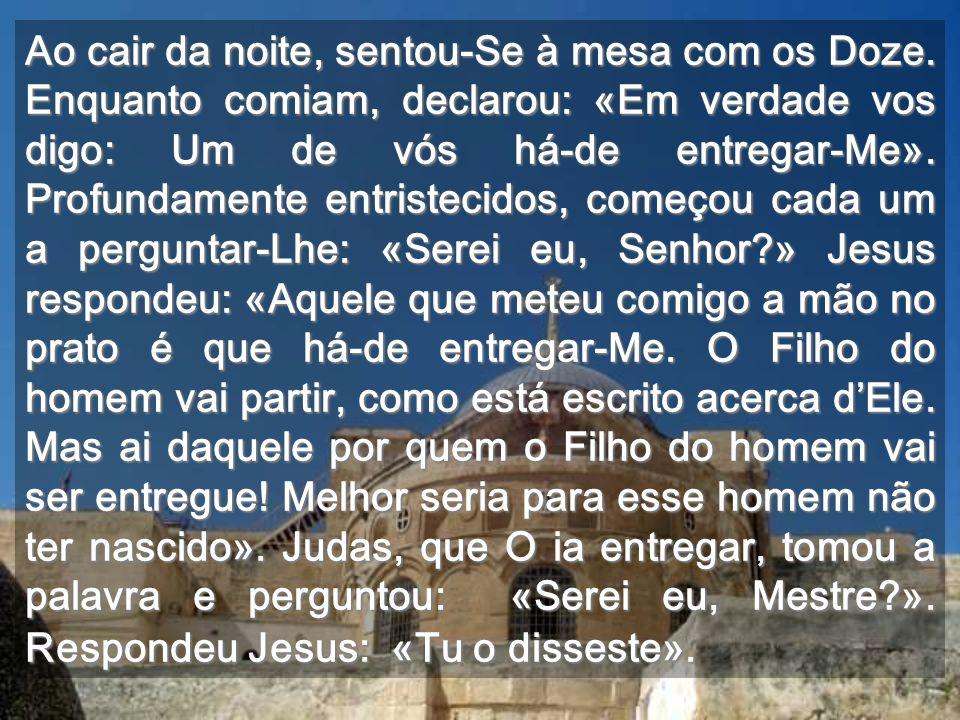 Jesus virá através dos que chamarem à tua porta Quer celebrar a Páscoa contigo, em tua casa...
