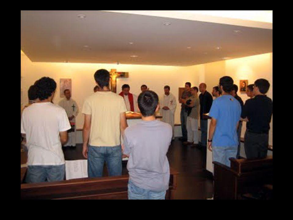 Uma vida mais evangélica move-se hoje nos encontros, repousa nas comunidades e vai conosco pelo mundo que é teu lar e nossa casa.