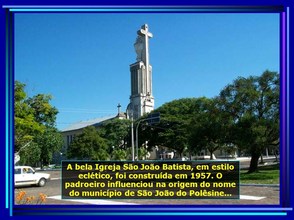 São João do Polêsine, emancipada em 20.03.1992, conta hoje com quase 3 mil habitantes. Calma, bonita e agradável, é um recanto onde a modernidade vive