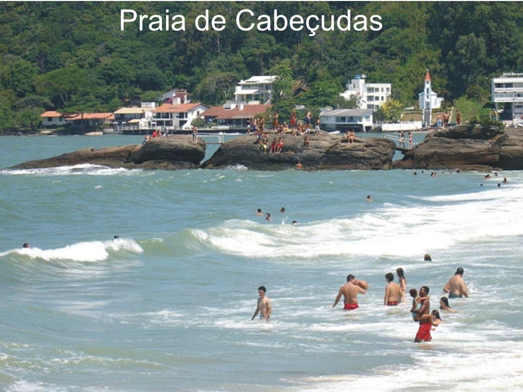 Praia de Cabeçudas Esta é a praia mais urbanizada e movimentada de Itajaí, que oferece a melhor infra-estrutura turística com hotéis, pousadas e resta