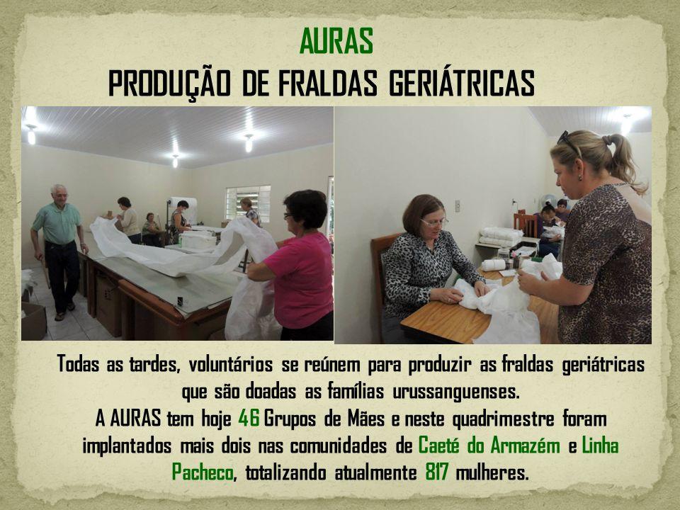 PRODUÇÃO DE FRALDAS GERIÁTRICAS Todas as tardes, voluntários se reúnem para produzir as fraldas geriátricas que são doadas as famílias urussanguenses.