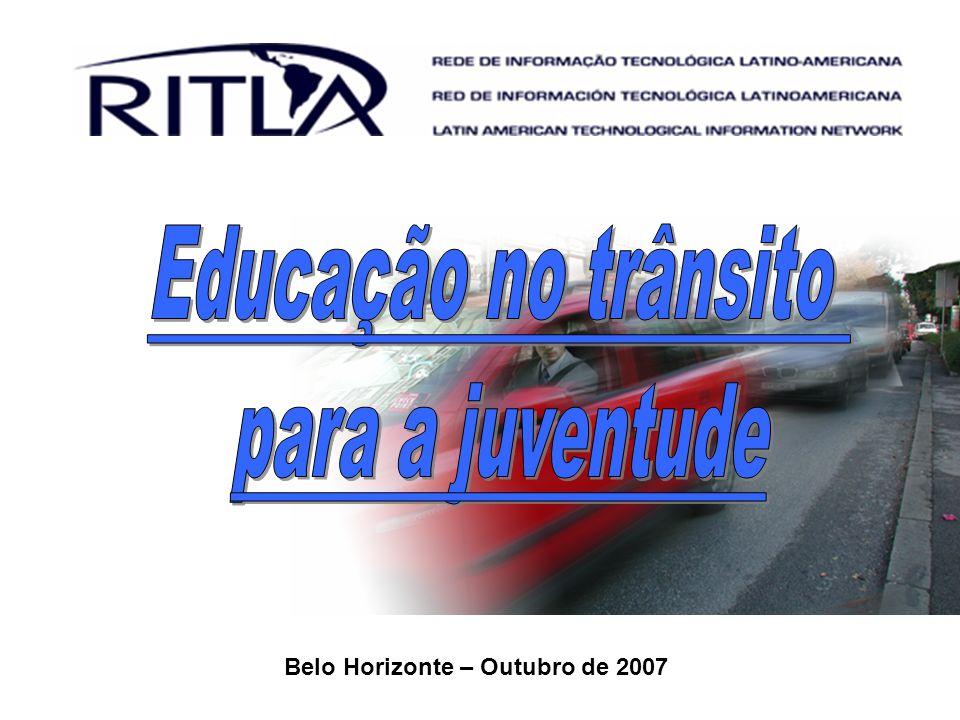 12 Motorista Pedestre Passageiro Motociclista Ciclista Outros Óbitos e ferimentos em acidentes de transporte segundo países selecionados e pessoas menores de 25 anos de idade Fonte: OMS, 2007.