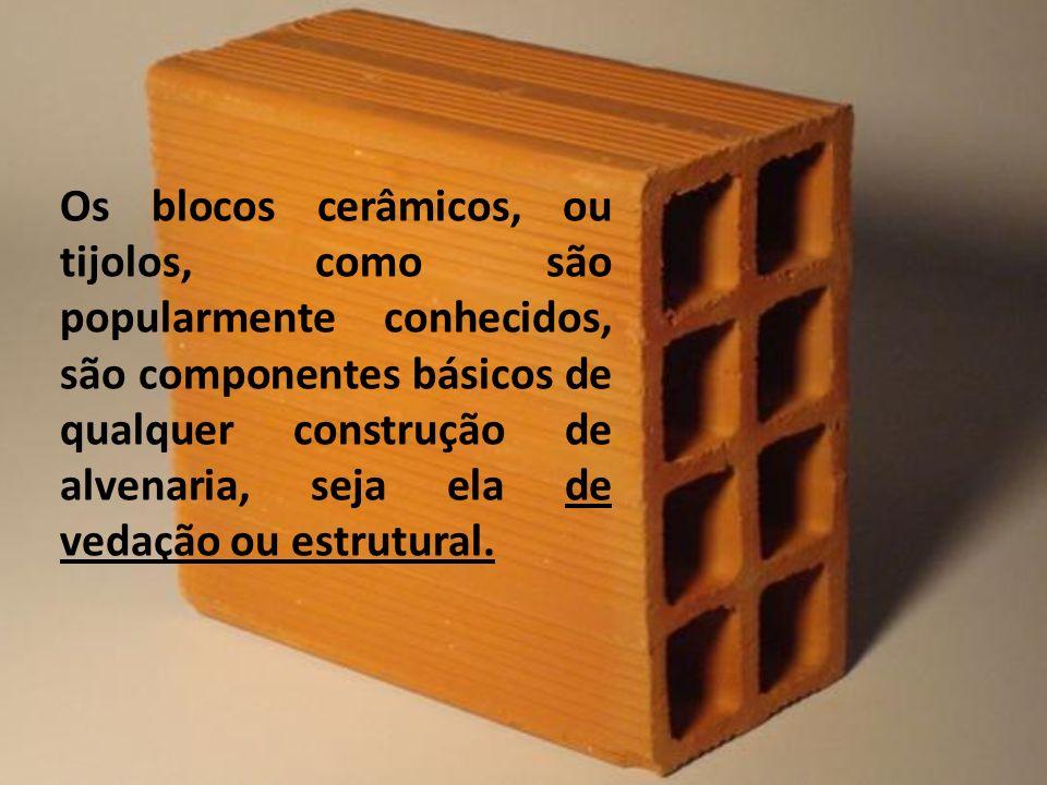 Os blocos cerâmicos, ou tijolos, como são popularmente conhecidos, são componentes básicos de qualquer construção de alvenaria, seja ela de vedação ou