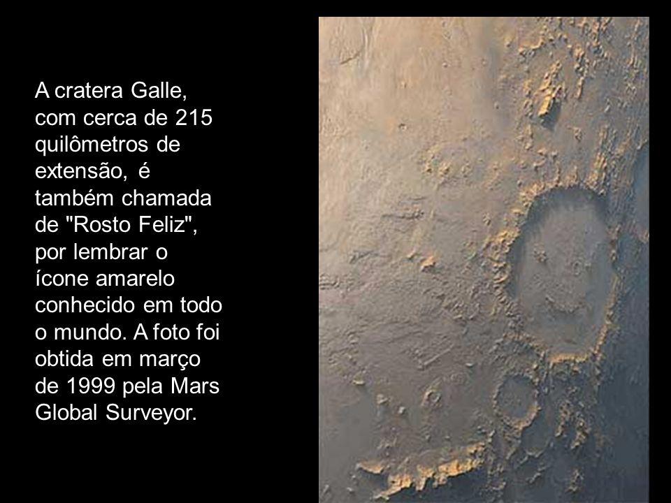 A cratera Galle, com cerca de 215 quilômetros de extensão, é também chamada de