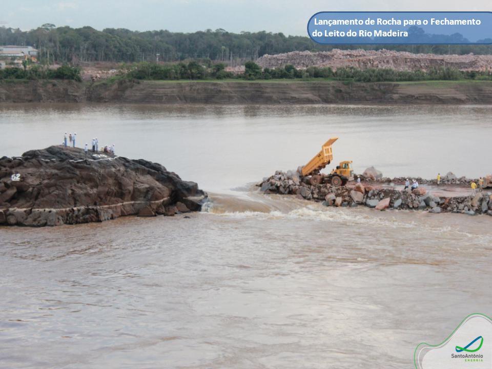 Lançamento de Rocha para o Fechamento do Leito do Rio Madeira