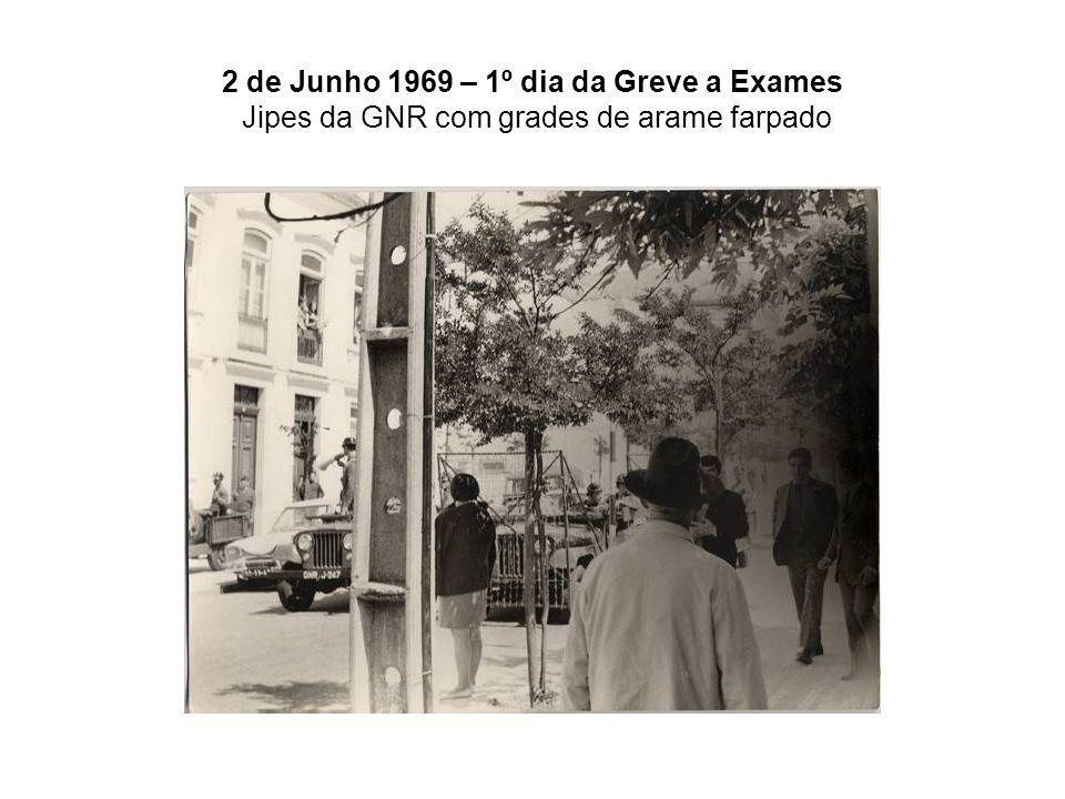 2 de Junho 1969 – 1º dia da Greve a Exames Jipes da GNR com grades de arame farpado