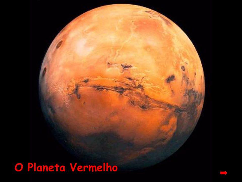 Marte Conhecido como o Planeta Vermelho, está prestes a aparecer de uma forma espetacular ! Use o mouse ou a barra de espaços para avançar os slides P