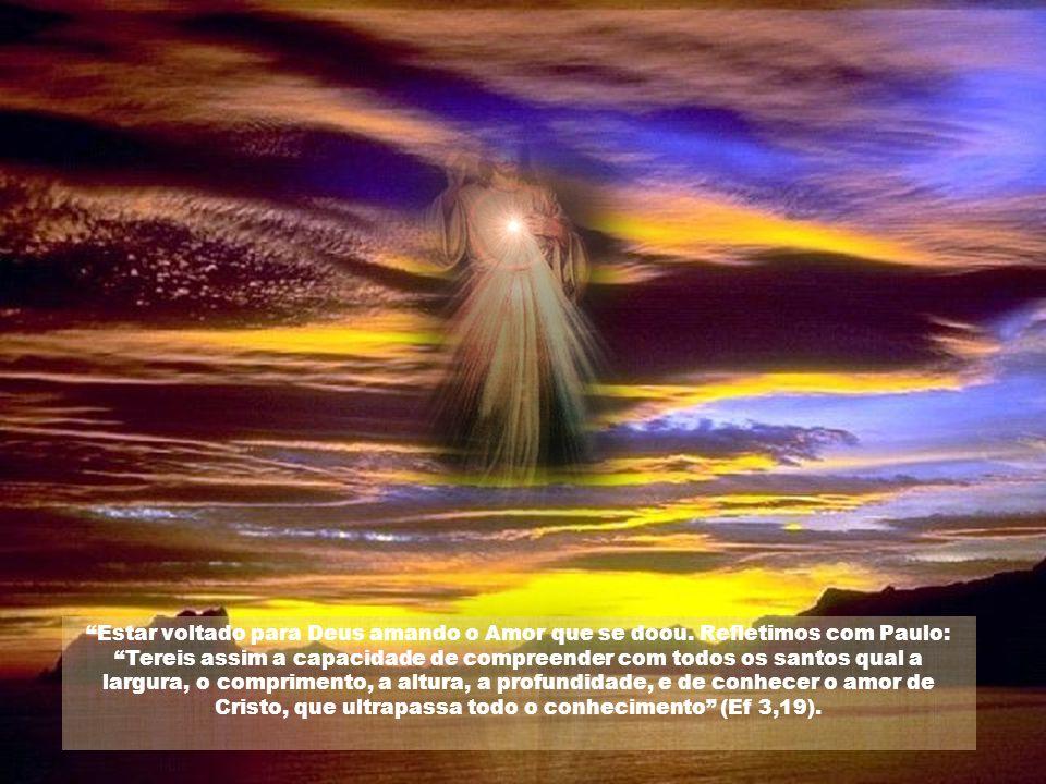 Caríssimos, Tendo chegado o tempo de sua partida, Jesus não soube deixar- nos sem um dom qualquer, e o dom foi como só o seu Coração podia achar. O Co