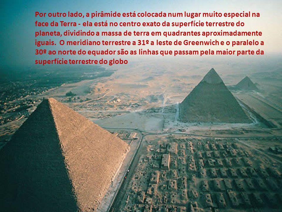 A geometria das três pirâmides tem sido uma fonte de confusão por muitos anos, por causa da maneira aparentemente imperfeita com que foram alinhadas.