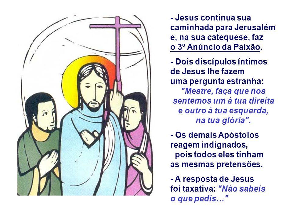 Na 2ª Leitura, Paulo afirma que Cristo foi para nós um grande Sacerdote, mediador entre Deus e os homens, que resgatou com sua morte na cruz e continu
