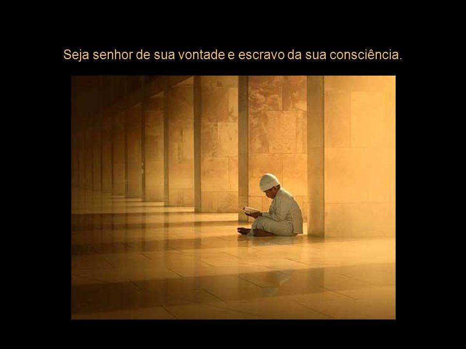 O homem sábio não busca o prazer, mas a libertação das preocupações e sofrimentos. Ser feliz é ser auto-suficiente...