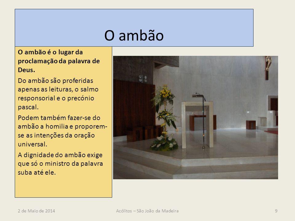 O ambão O ambão é o lugar da proclamação da palavra de Deus. Do ambão são proferidas apenas as leituras, o salmo responsorial e o precónio pascal. Pod