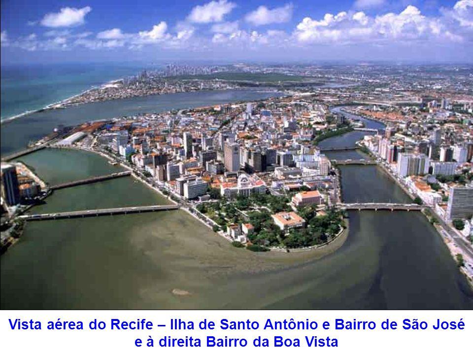 Música: Pelas ruas que andei Alceu Valença Recife - PE Passeio pelas ruas do Recife 61 fotografias (Aumente o volume do som) Achei incrível ter conseg