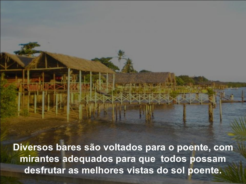 Diariamente no final da tarde, centenas de pessoas rumam para a Praia Fluvial do Jacaré, localizada no município de Cabedelo, na Grande João Pessoa,PB
