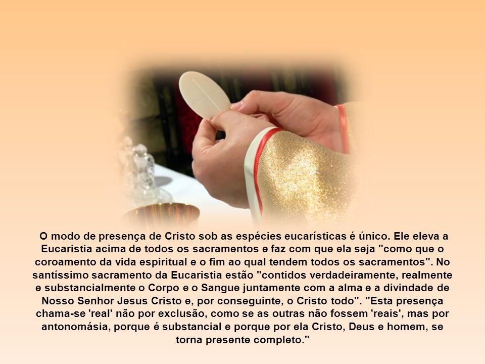 Cristo Jesus, aquele que morreu, ou melhor, que ressuscitou, aquele que está à direita de Deus e que intercede por nós (Rm 8,34), está presente de múltiplas maneiras em sua Igreja): em sua Palavra, na oração de sua Igreja, lá onde dois ou três estão reunidos em meu nome (Mt 18,20), nos pobres, nos doentes, nos presos, em seus sacramentos, dos quais ele é o autor, no sacrifício da missa e na pessoa do ministro.
