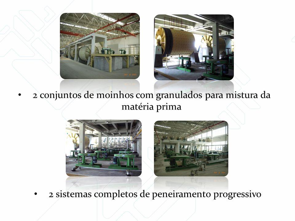 2 conjuntos de moinhos com granulados para mistura da matéria prima 2 sistemas completos de peneiramento progressivo