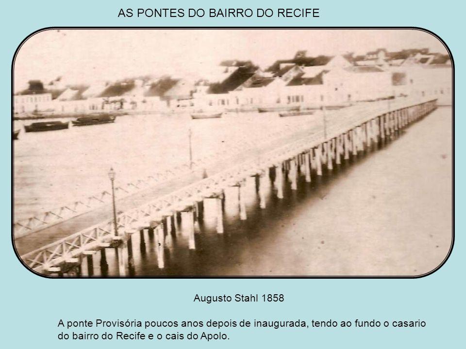 RUA DA CRUZ NO BAIRRO DO RECIFE Guilherme Gaensly 1885 A mesma rua, então Bom Jesus, cerca de trinta anos depois, fotografada em sentindo contrário. N