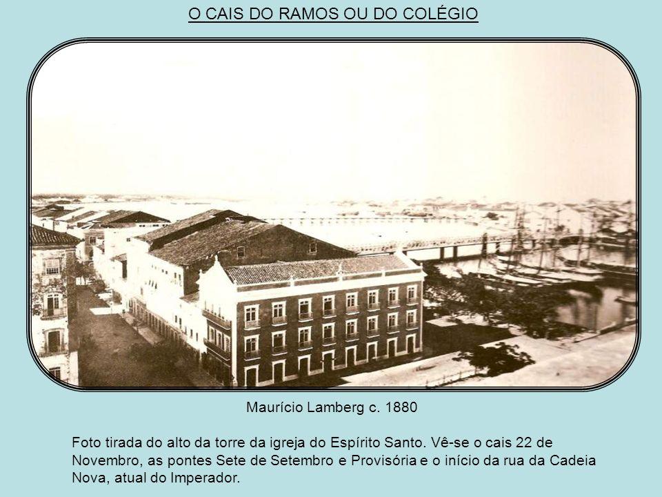 Augusto Stahl c.1885 Aí temos mais um documento imprescindível para o estudo do velho Recife. Da esquerda para a direita, parte da ponte Velha do Reci