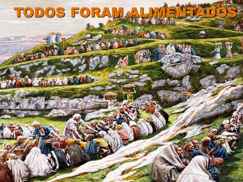 JESUS COLOCOU OS PÃES DE CEVADA E OS PEIXINHOS E OS ABENÇOOU DAI-LHES VÓS DE COMER