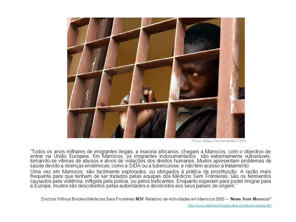 Photo: Rafael Marchante/REUTERS Todos os anos milhares de imigrantes ilegais, a maioria africanos, chegam a Marrocos, com o objectivo de entrar na União Europeia.