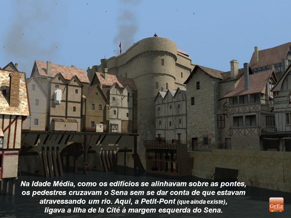 A Sainte-Chapelle, na Ilha de la Cité, está localizada na área do Palácio da Justiça. Esta jóia gótica se tornou um Patrimônio Mundial da UNESCO.