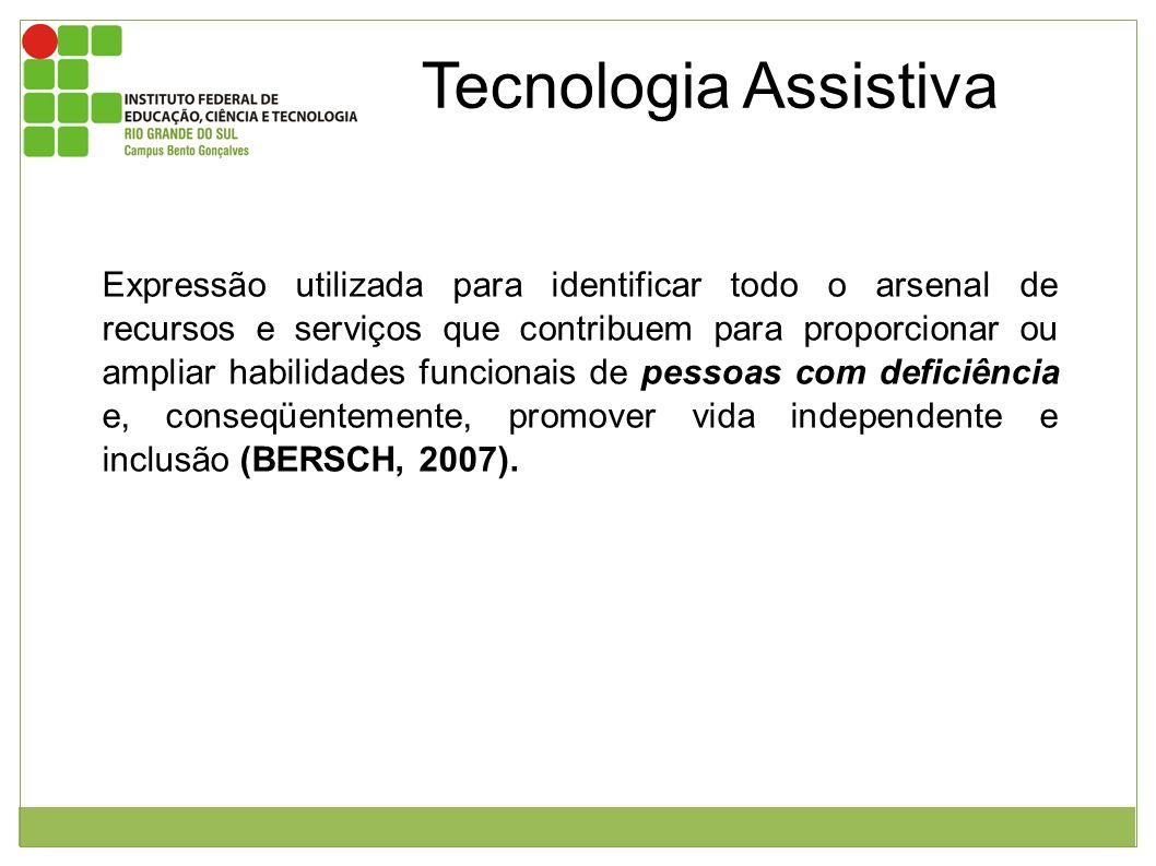 Tecnologia Assistiva De acordo com a Lei nº 10.098/00, em seu artigo segundo, assim descreve as Ajudas Técnicas: qualquer elemento que facilite a autonomia pessoal ou possibilite o acesso e o uso do meio físico (BRASIL, 2000).