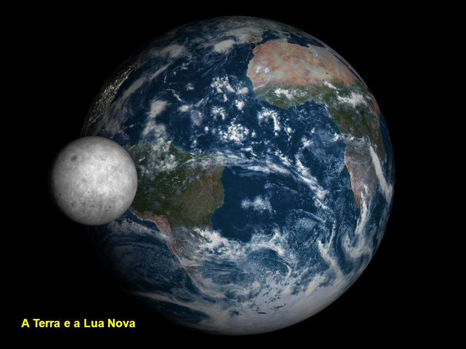 A Terra e a Lua crescente