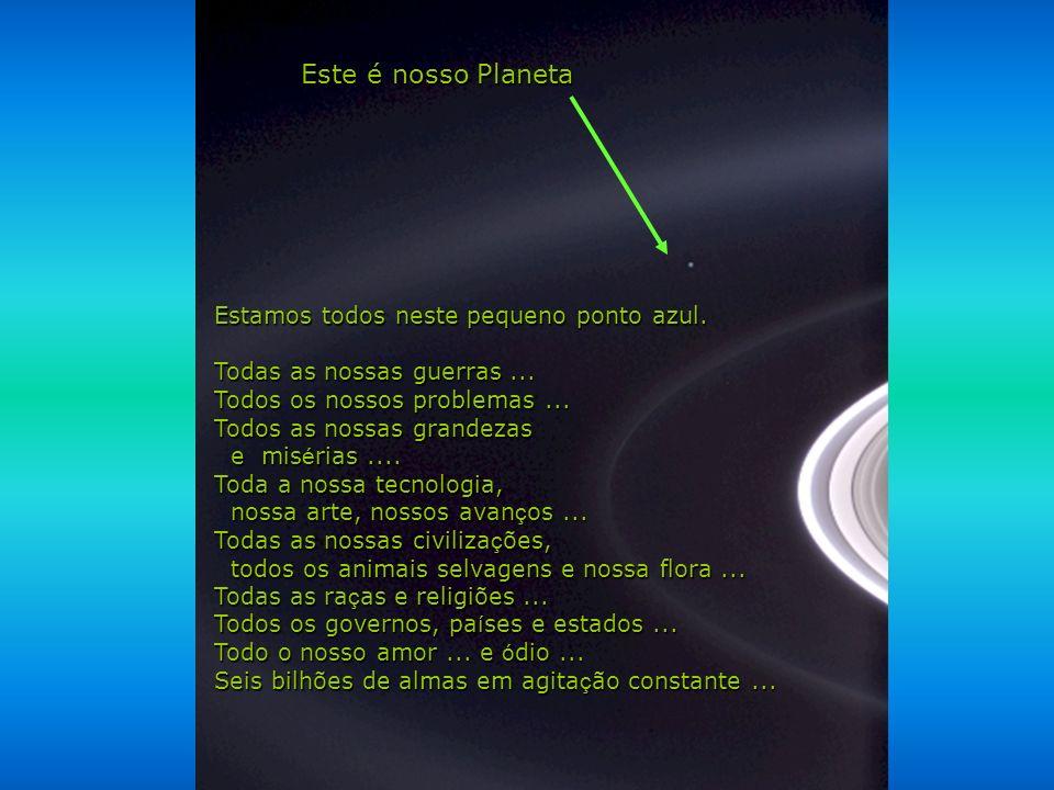 Héla aquí, pues: Contemple esta imagem por alguns instantes. Ela foi tirada pela sonda Cassini-Juygens, em 2004, quando chegou nos anéis de Saturno.