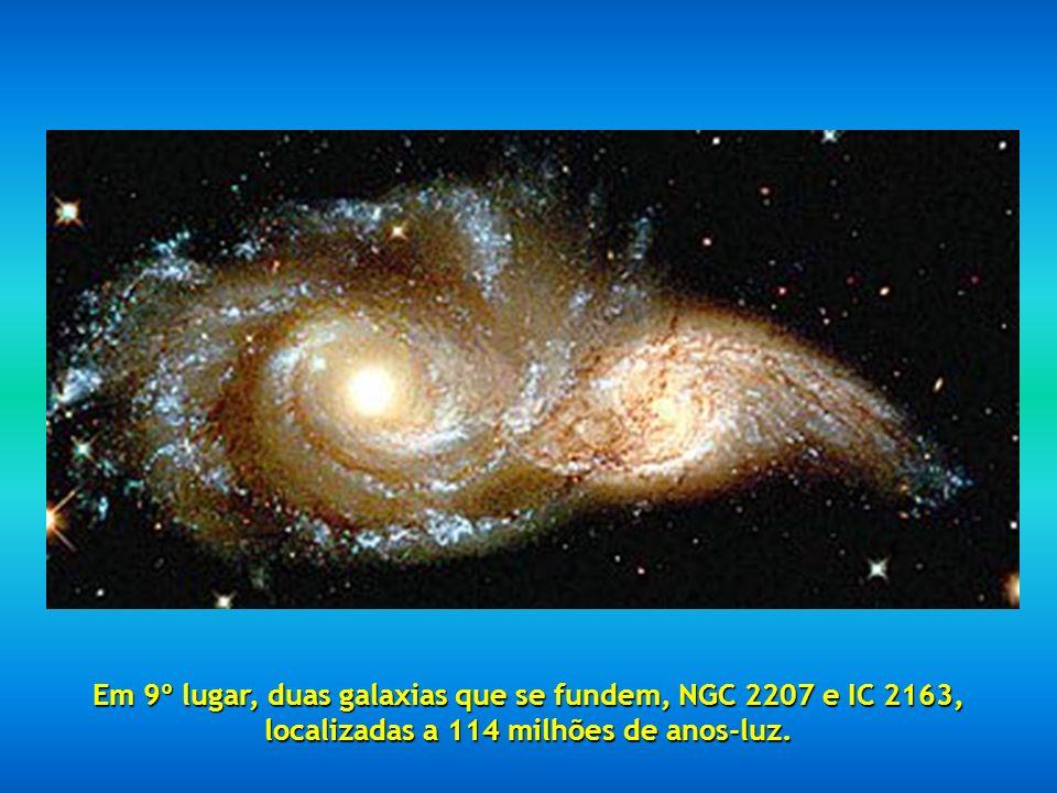 Em 8º lugar, esta bela imagem chamada Noite Estrelada, também conhecida como Eco de Luz.