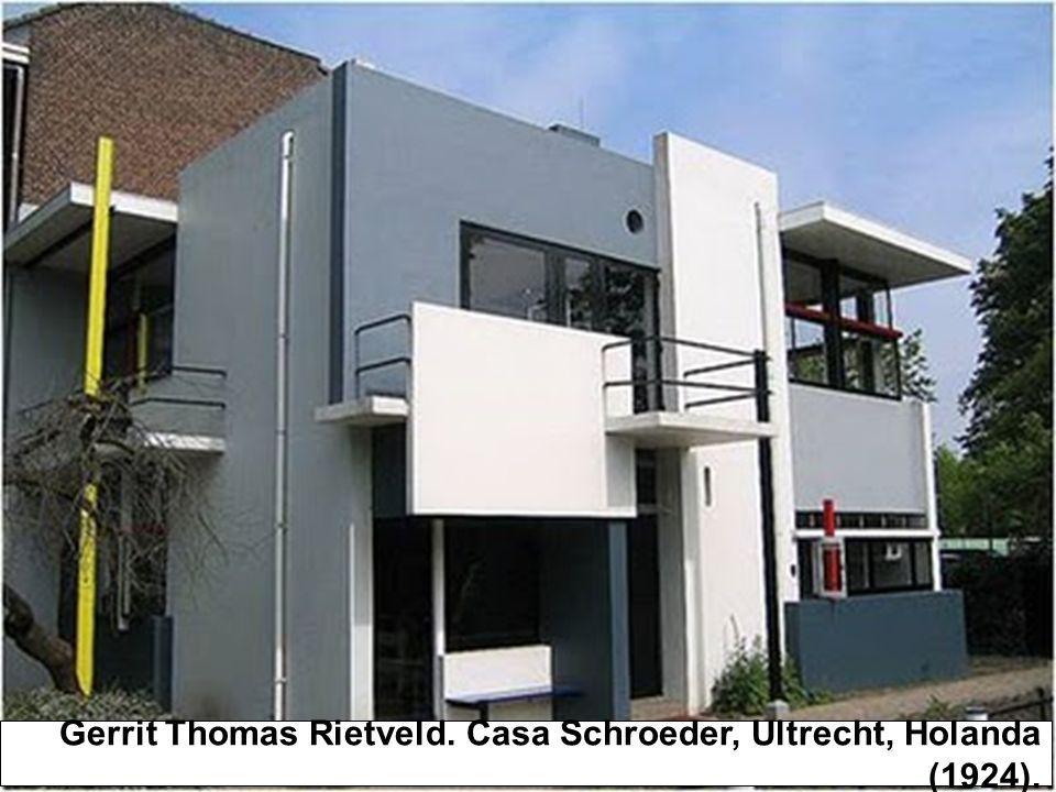 Bauhaus (1919- 1933) Mies van der Rohe, Marcel Breuer, Walter Gropius e Josef Albers foram para os Estados Unidos após o fechamento da escola.