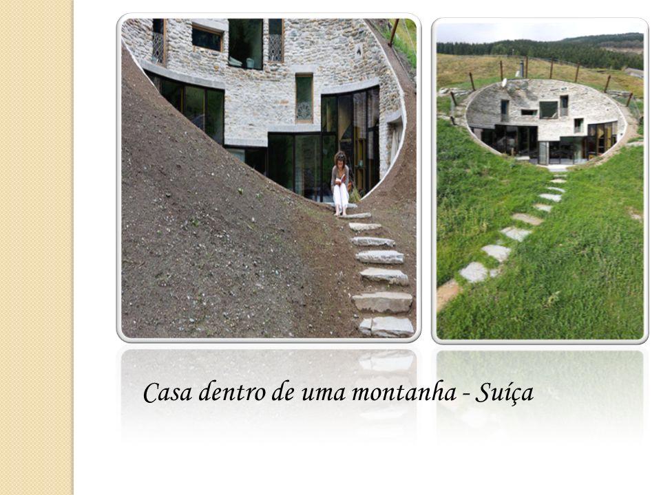 Casa dentro de uma montanha - Suíça