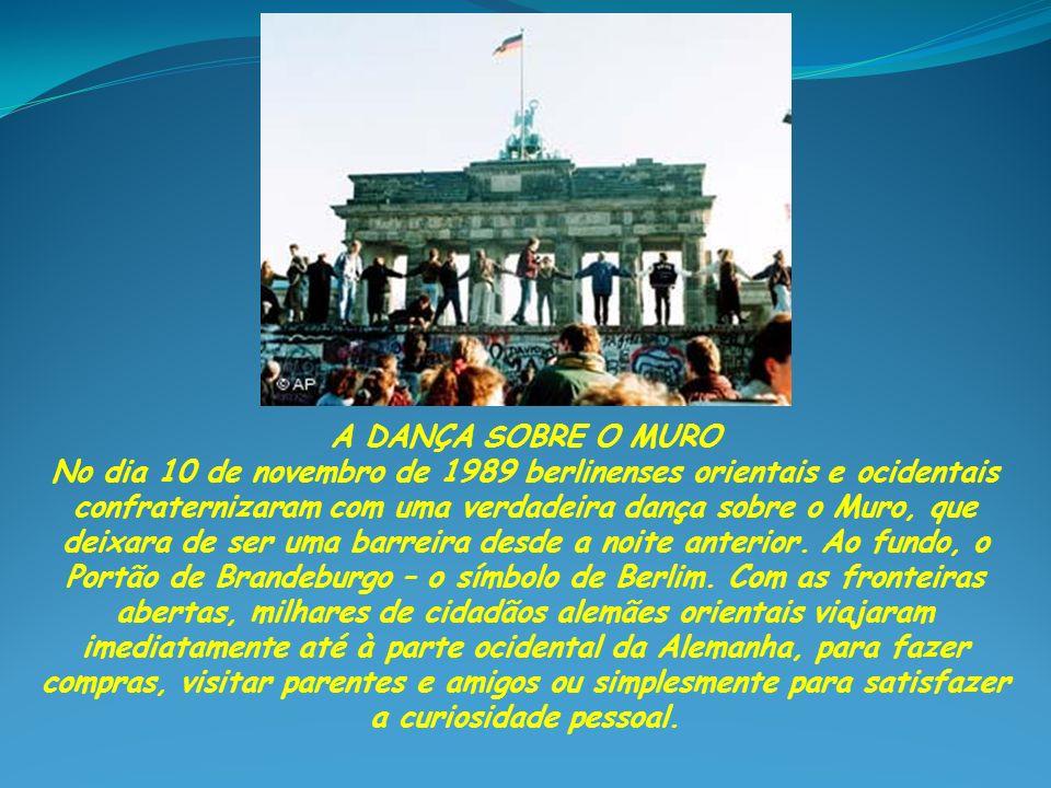 A CONFUSÃO HISTÓRICA Durante uma entrevista coletiva no dia 9 de novembro de 1989, o jornalista e membro do politburo do SED (Partido Socialista Unificado), Günter Schabowski, interpretou erroneamente um comunicado oficial do governo da Alemanha Oriental, anunciando a abertura das fronteiras entre as duas partes da Alemanha.