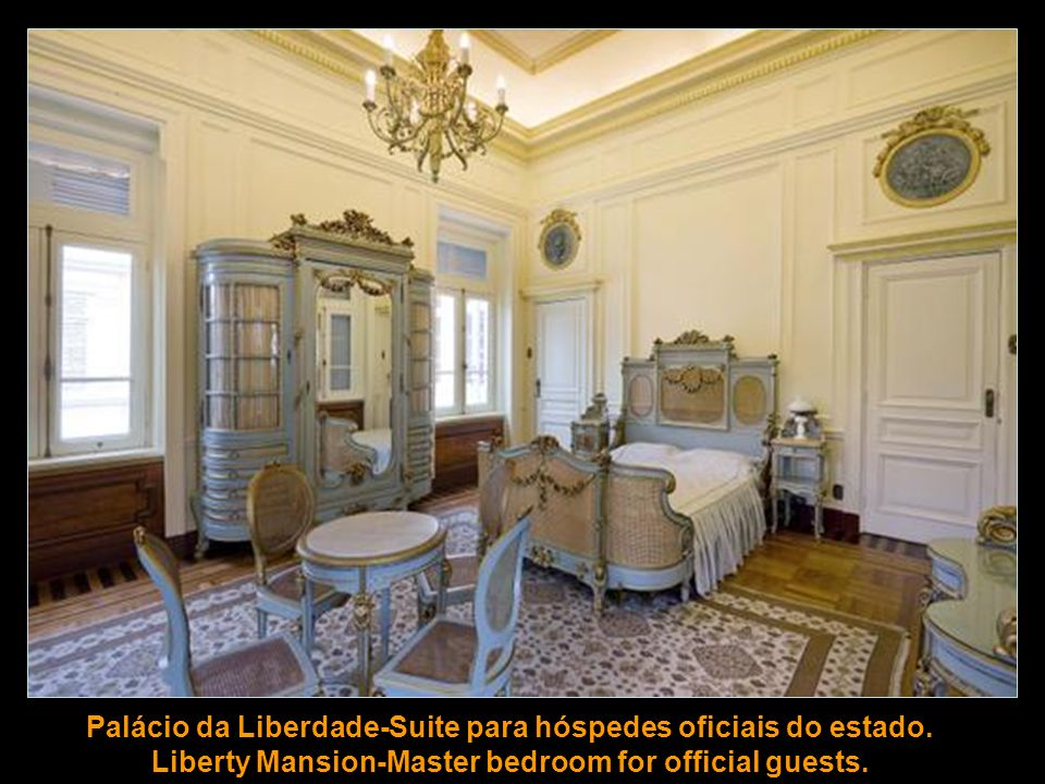 Palácio da Liberdade-Sala para jantares e recepções formais. Liberty Mansion-Room for formal dinners and receptions.