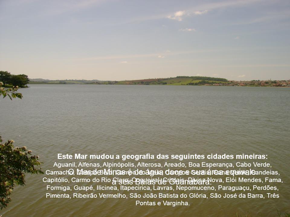 O nome de JK foi ignorado durante as comemorações. Quem inaugurou a obra foi o General Humberto de Alencar Castelo Branco, o primeiro presidente do Re